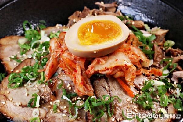 ▲山本堂日式拉面锅餐点。(图/记者华少甫摄)