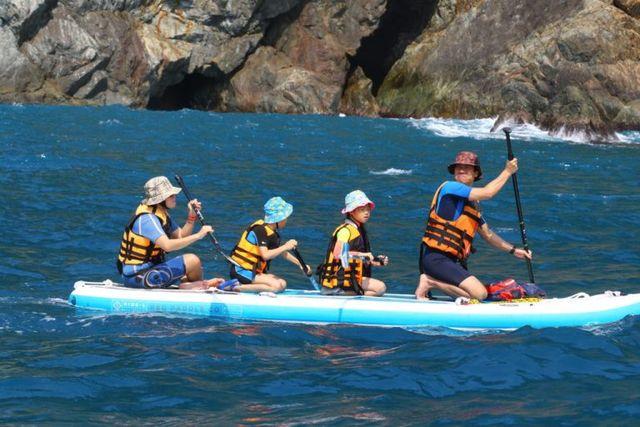 暑假热搜水上活动景点:透明独木舟!全台最新20种水上活动懒人包